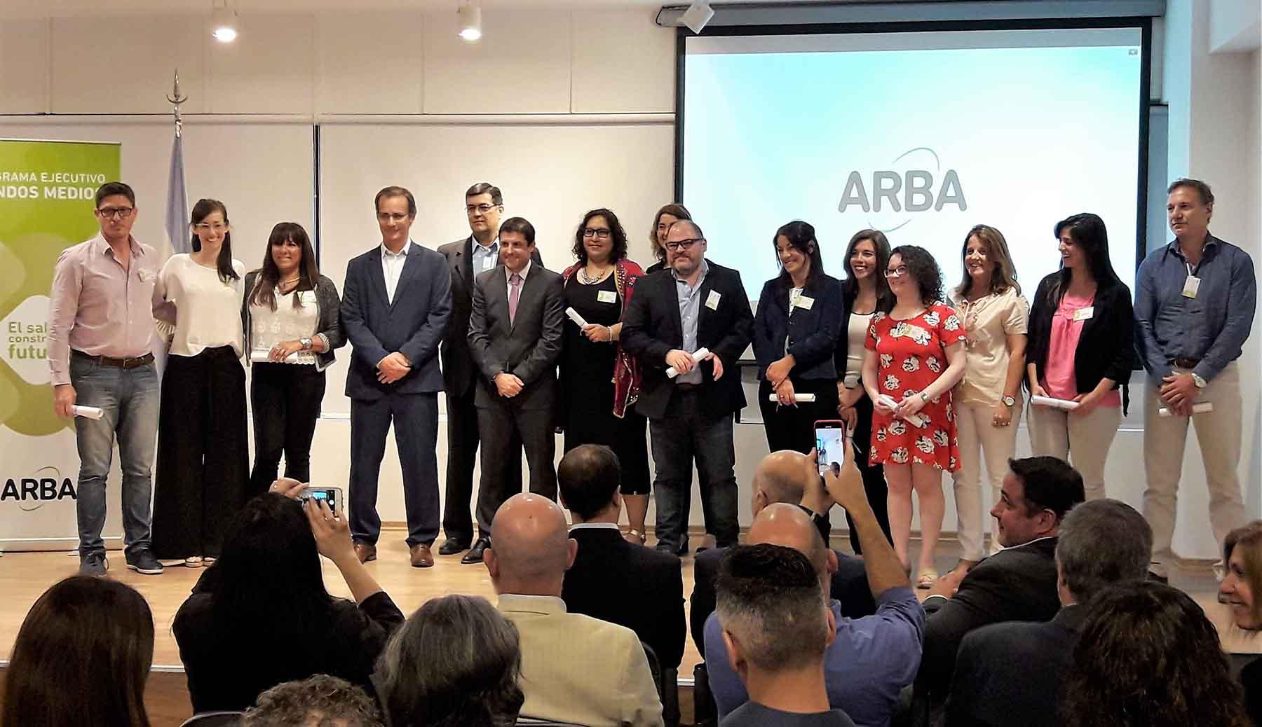 Imagen de la nota Entrega de diplomas a agentes de Arba